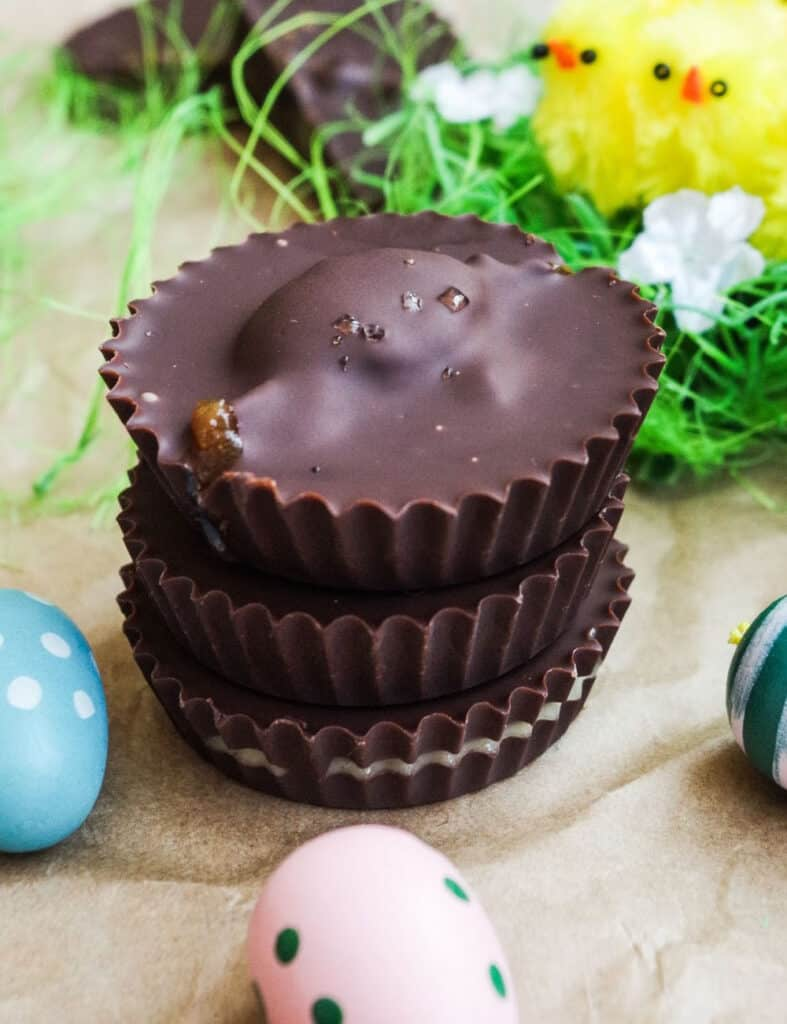 Chocolate easter cups